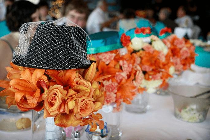 Arancione ed azzurro per il banchetto di nozze