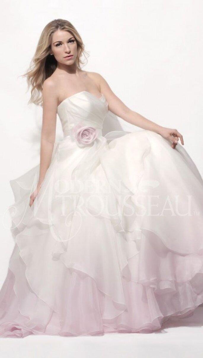 Vestido de novia romántico  estilo ombré - Foto Modern Trousseau