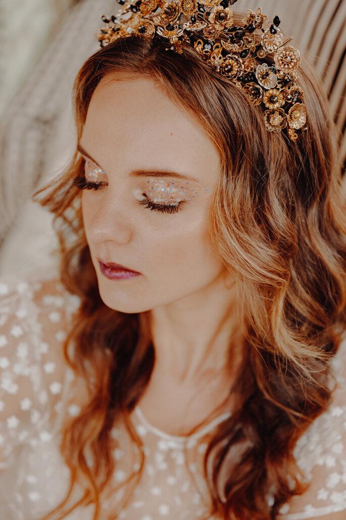 Maquillaje de novia en tonos metalizados