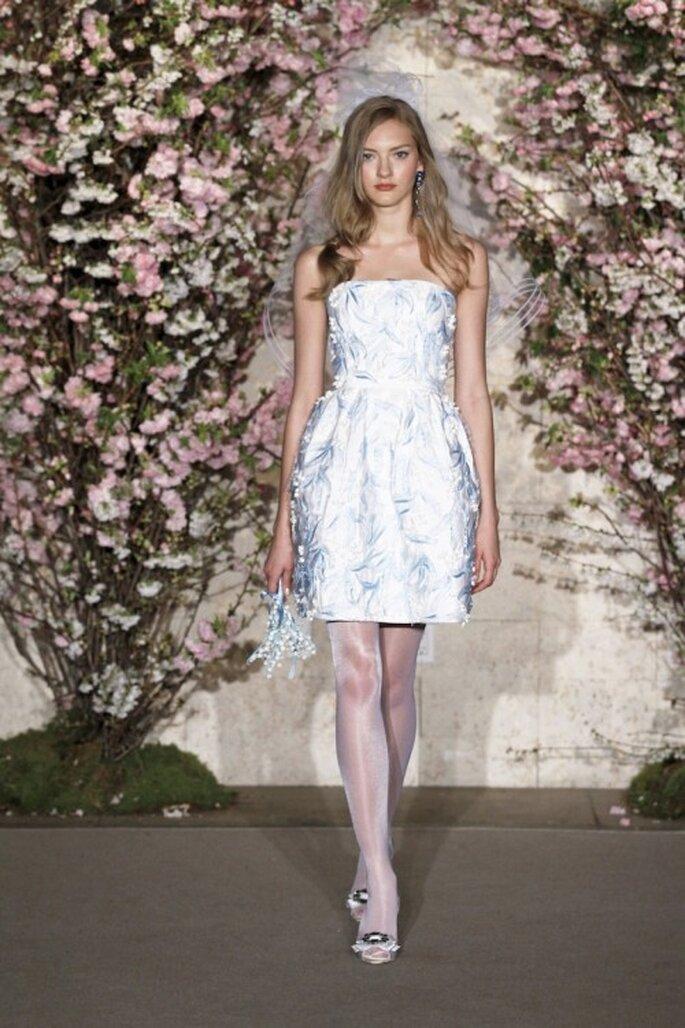 Vestido de novia de Tafetan con encaje bordado, strapless de Oscar De La Renta