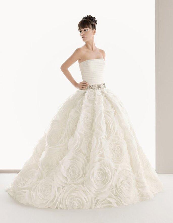 Modelo Nuria da colecção de vestidos de noiva Aire 2011