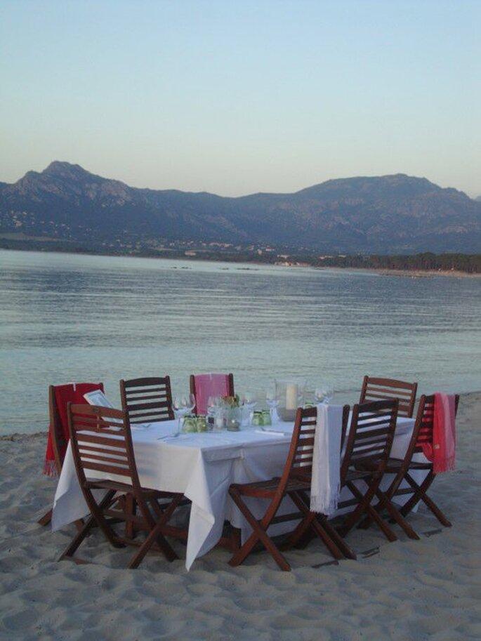 Mariage sur une plage en Corse : dépaysant et romantique...