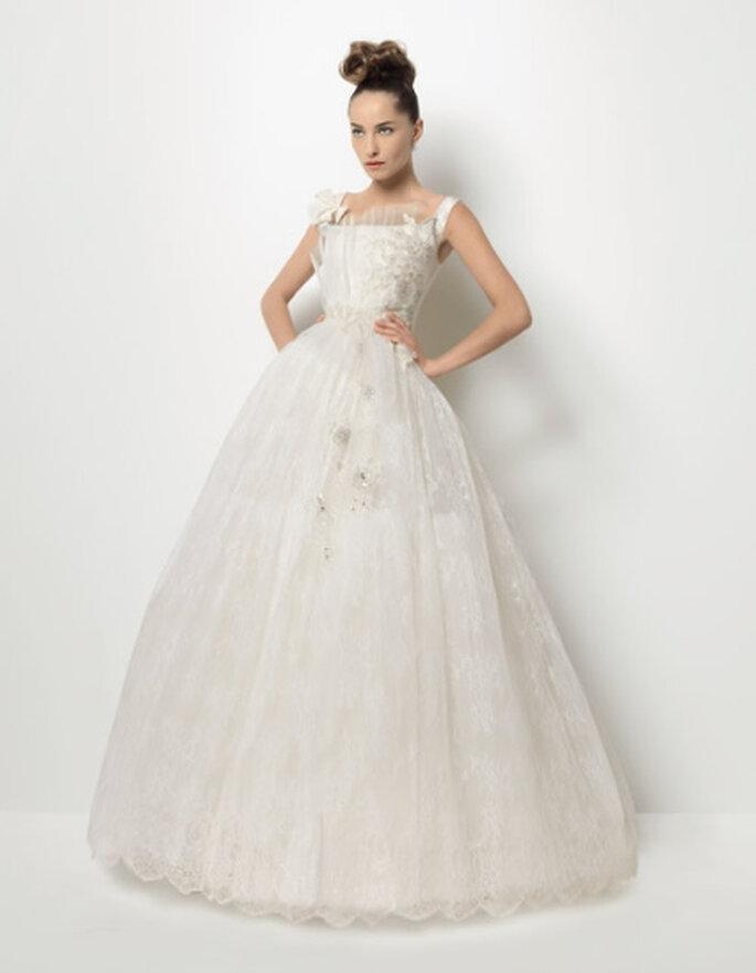 Tesón, un vestido de novia de Christian Lacroix para Rosa Clará
