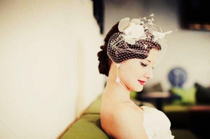 Klassisch und dennoch ein Eyecatcher: kurze Brautschleier – Foto: Nadia Meli