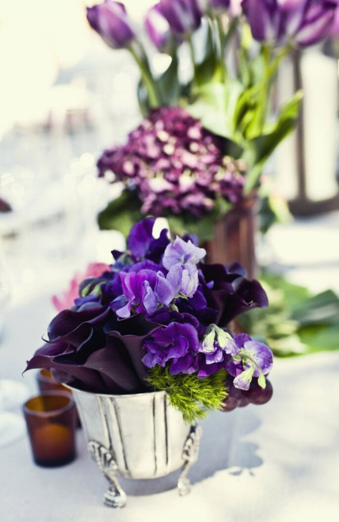 Detalles en color violeta para la decoración de tu boda - Foto Joy Marie Photography