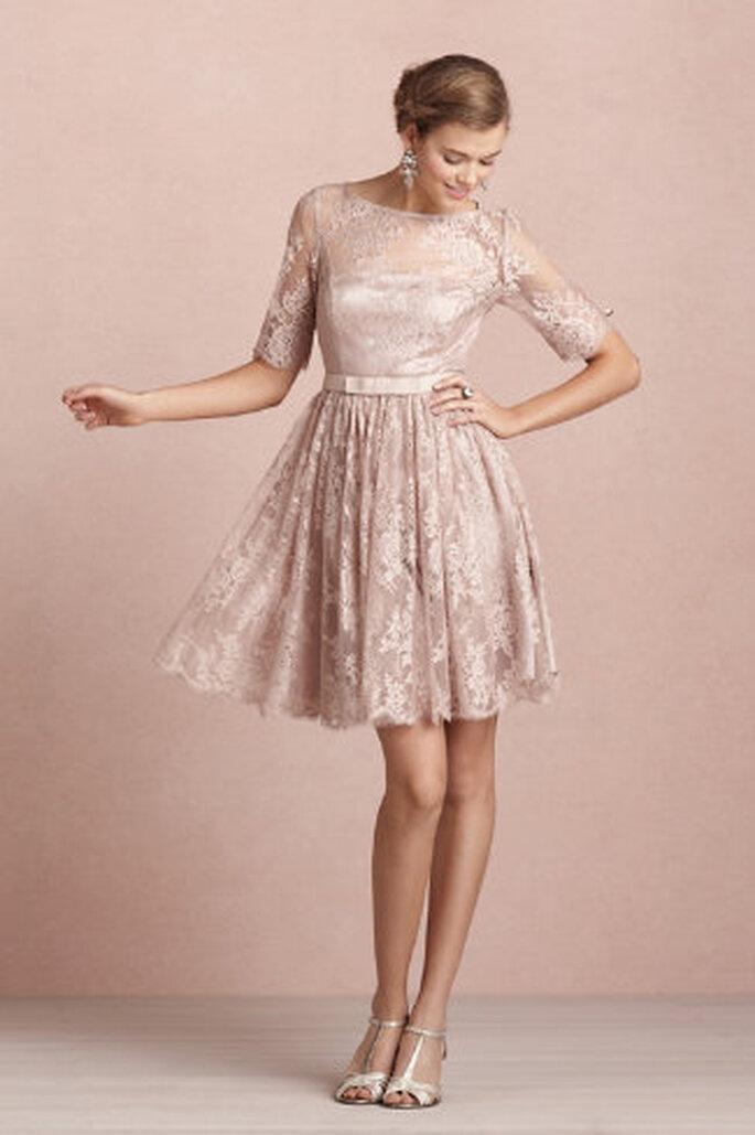 Kleider aus Spitze sehen besonders edel aus – Foto: bhldn.com