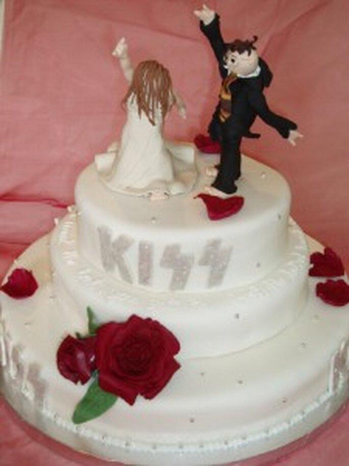 Rockige Hochzeitstorte