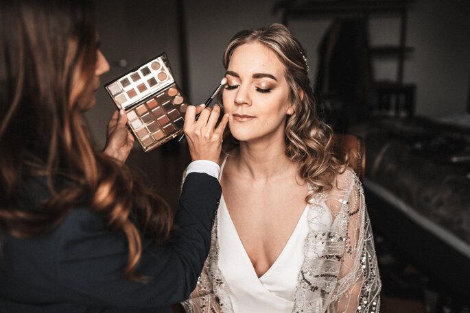 Intime Hochzeit, Eleganz trifft auf rustikalen Flair Getting Ready