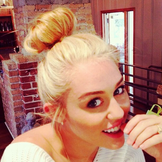 El nuevo look de Miley Cyrus es muy diferente del que nos tenía acostumbrados. Foto: Twitter