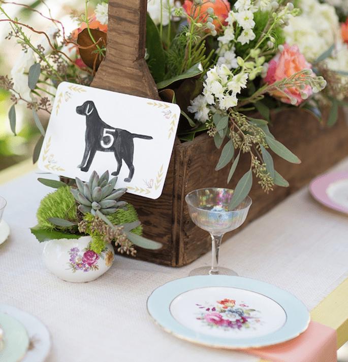 Indicadores originales de mesa para tu banquete de bodas - Foto Jade and Matthew Take Pictures