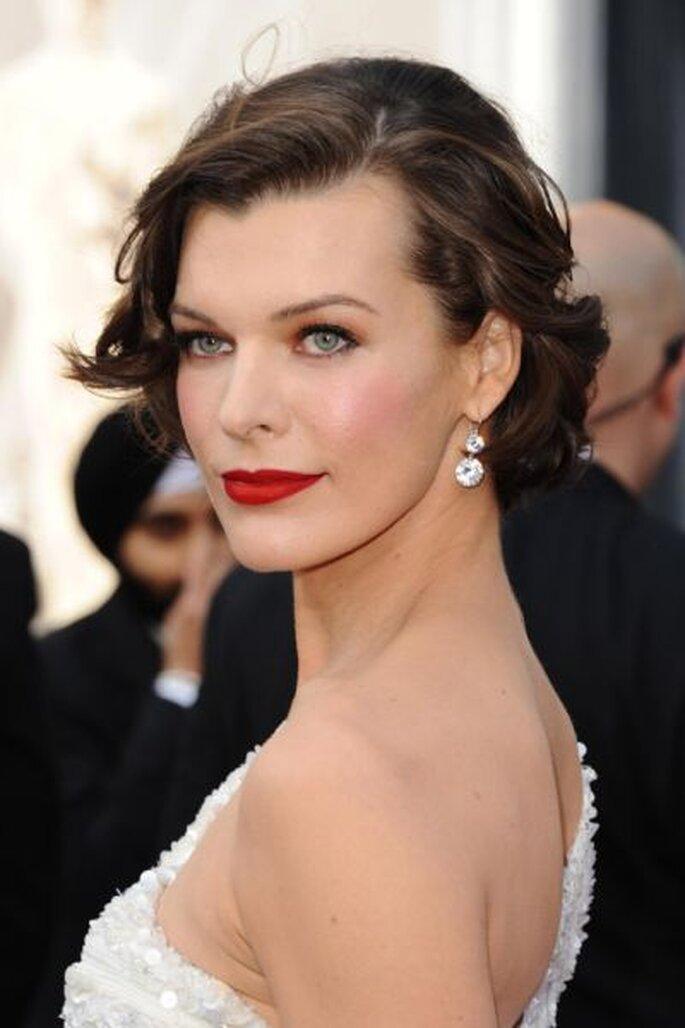 Mila Jovavich en los Oscars 2012. ourvanity.com