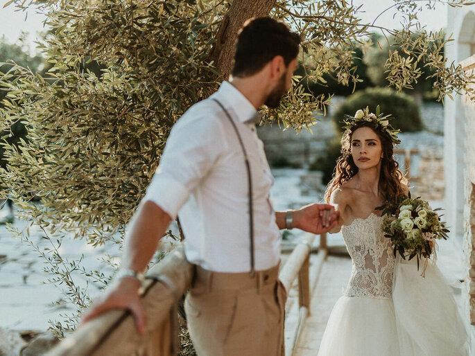 Coppia di sposi con ulivo