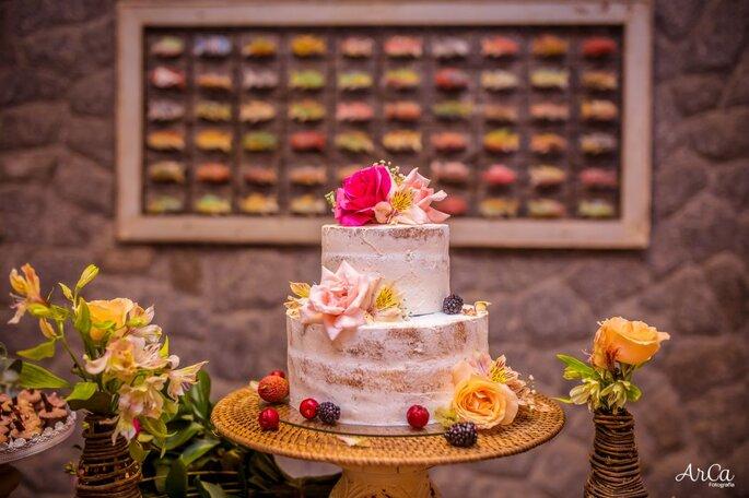lindo naked cake