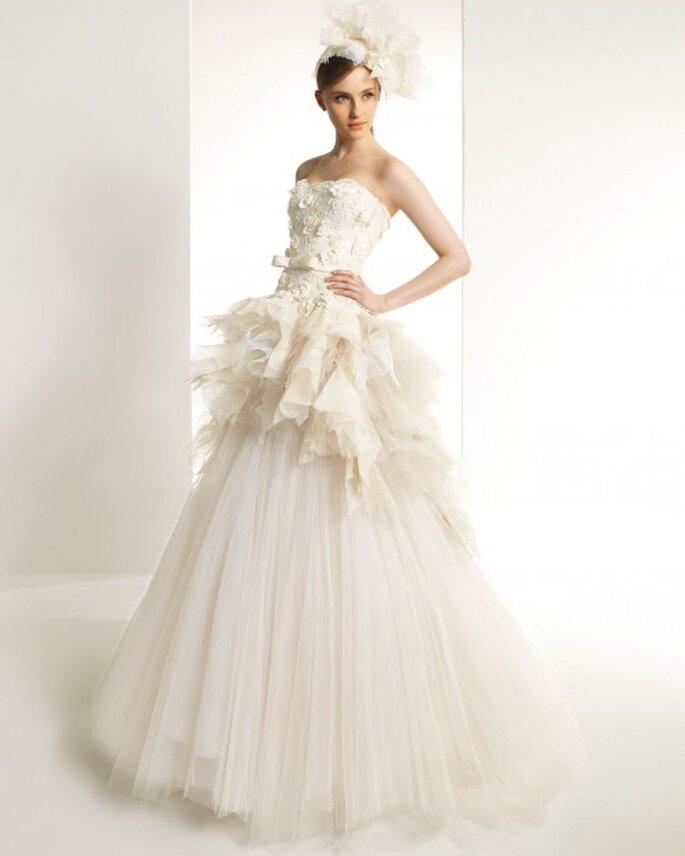 Zarte Champagner-Nuancen im Brautkleid sorgen für das gewisse Etwas – Foto: Zuhair Murad