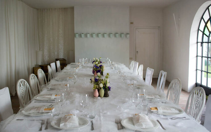 La tavola imbandita - Foto: Marilena Mura