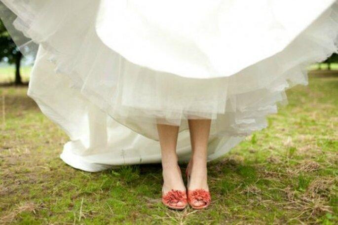 On craque pour les chaussures de mariée colorées. - Crédit : Mariagecards