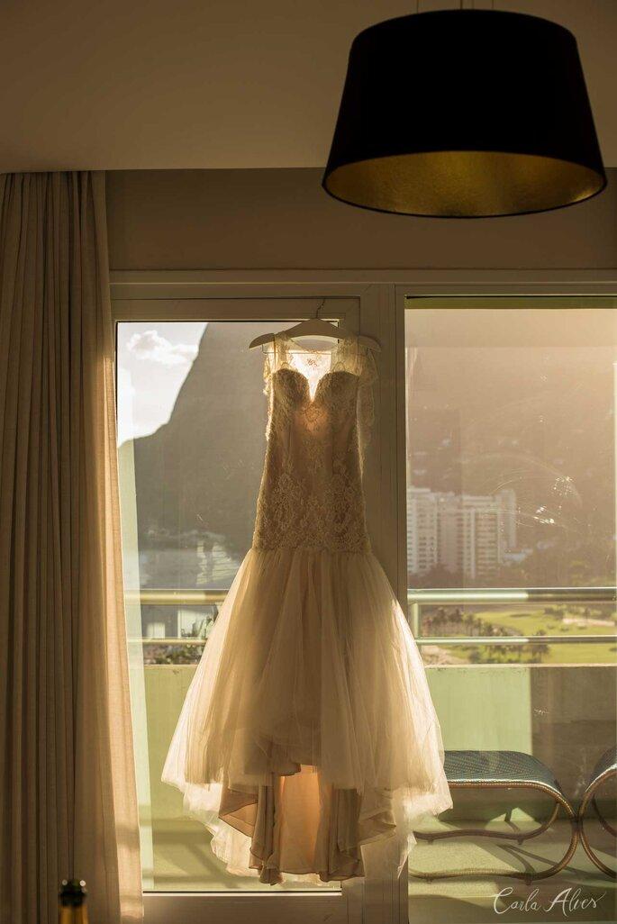 Vestido de Noiva: Ateliê Göra - Foto: Carla Alves Fotografia