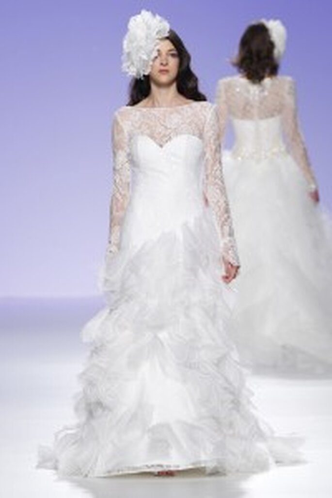 Robe de mariée longue avec manches en dentelle