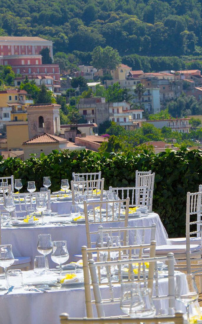 Tenuta Verdoliva - tavoli bianchi