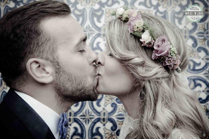 beijo casal apaixonado