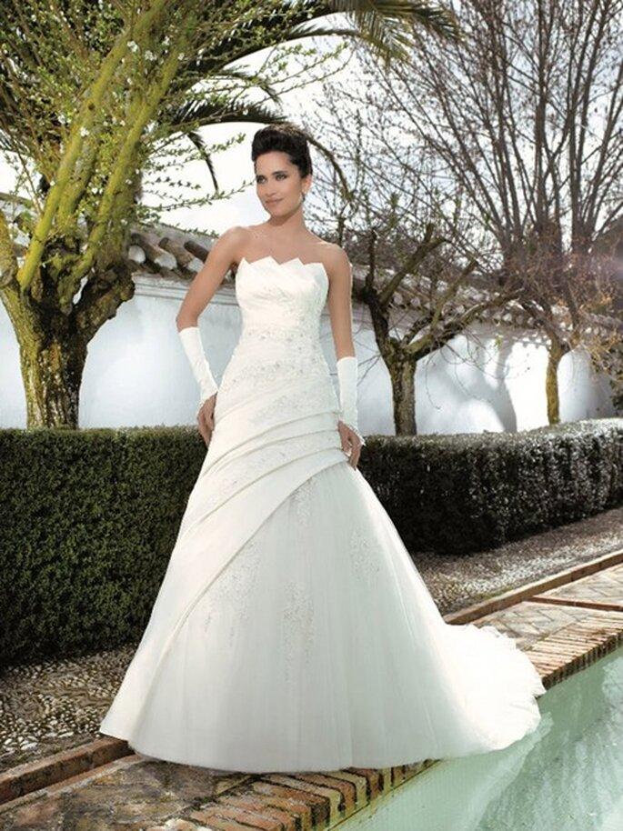 Eines der schönsten Brautkleider von Miss Kelly aus der aktuellen Kollektion 2012.
