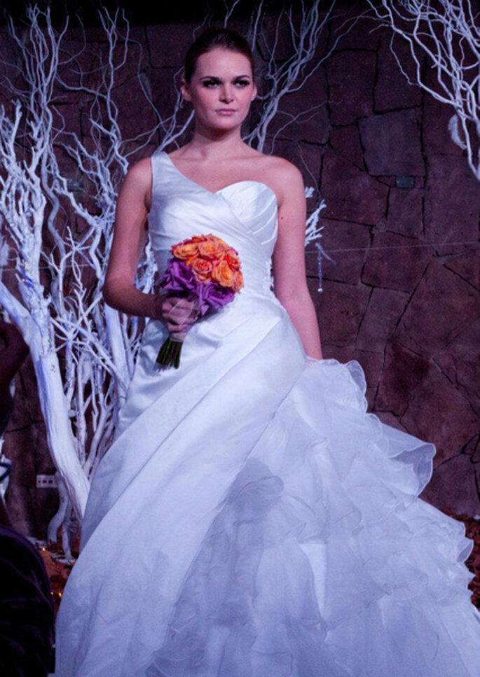 30b7e309c Descuentos de hasta un 50% en vestidos de novia en Somos Novios Chile