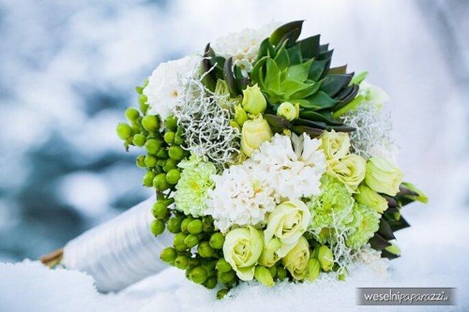 bukiet ślubny biało zielony na zimę