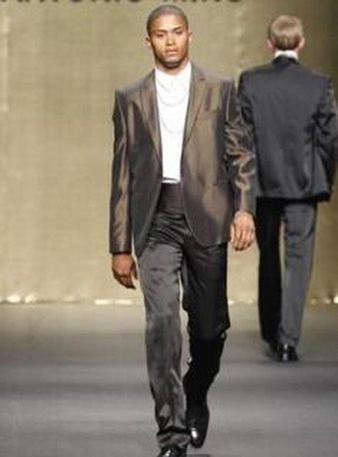 Antonio Miró 2009 - Traje de novio, americana satinada y pantalón
