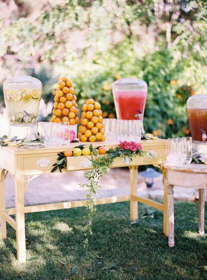 Estación de limonada para una boda en verano - Foto Ryan Ray Photography