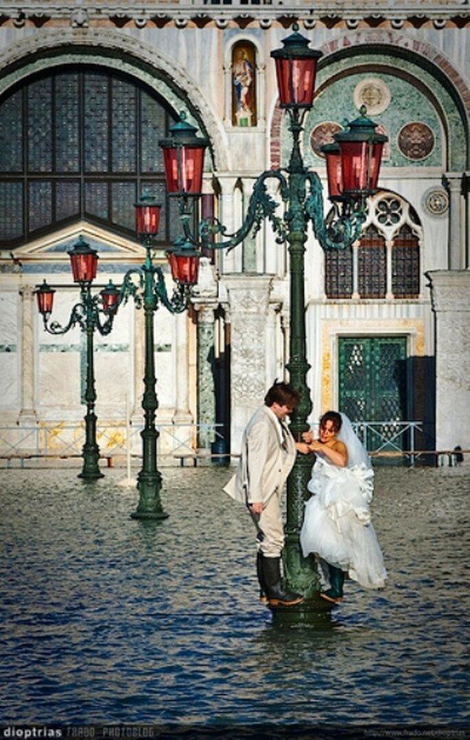 Wenn die Hochzeit ins Wasser fällt, ist es trotzdem romantisch - Foto: frado76, flickr
