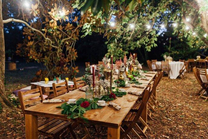 Welcome party de mariage organisée en extérieur à la nuit tombée