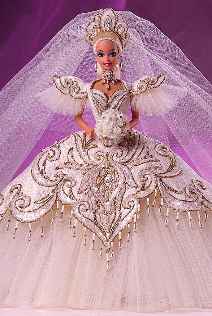 Bob Mackie empress bride. Foto: www.barbiecollector.com