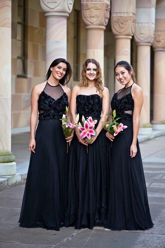 Elegantes vestidos de dama de un solo color y estilo diferente - Foto Sentani
