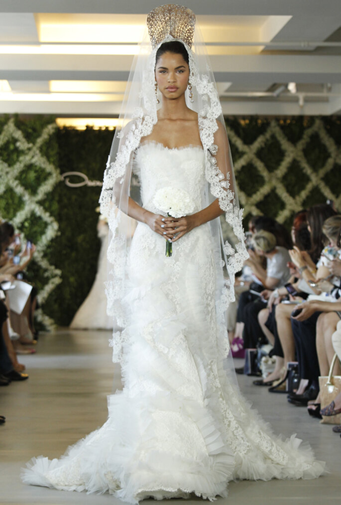 Filmreifer Auftritt – mit den dramatischen Brautschleiern von Oscar ...