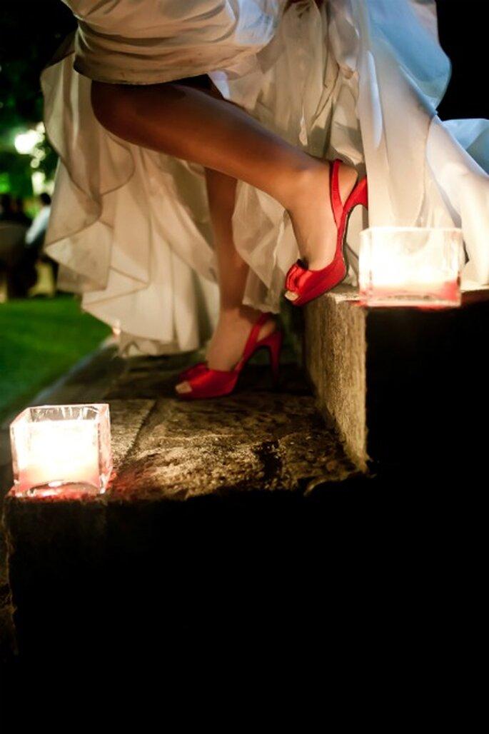 Zapatos rojos de novia- Foto: Valentín Gámiz