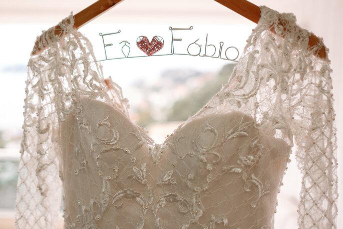detalhe cabide vestido de noiva