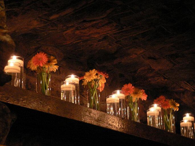 Ideas para la iluminación en una boda country. Foto: Lee Edwin Coursey