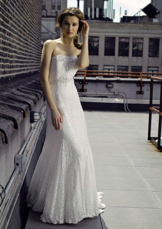 Vestido de novia con encaje y detalles en la cintura - Foto Henry Roth, Polkadot Bride