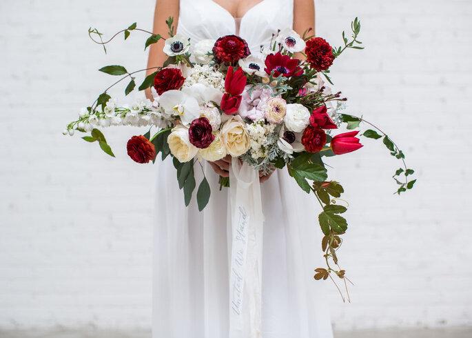 großer traditioneller Brautstrauß