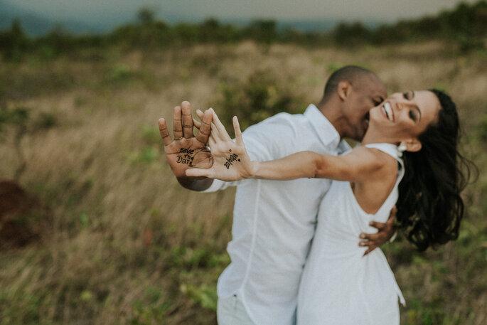 Fotógrafo e casal devem se dar bem para que o resultado das imagens seja natural e verdadeiro
