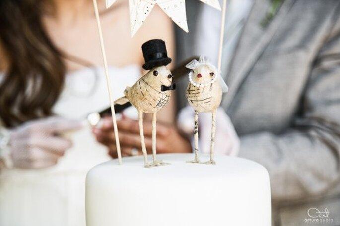No te olvides de la obligada foto con el pastel de bodas - Foto Arturo Ayala