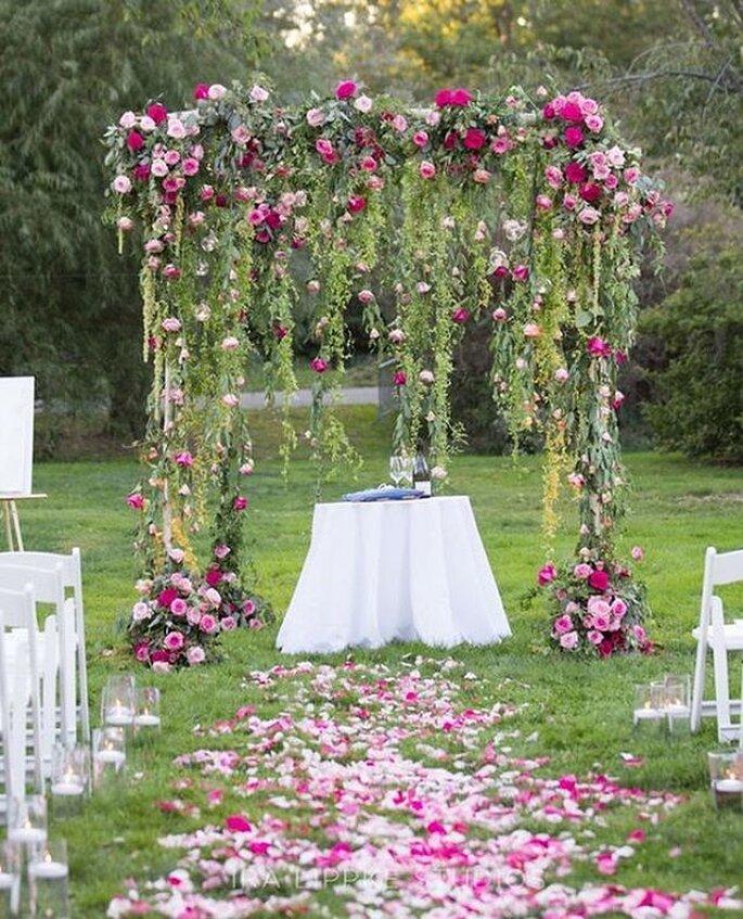 Altar com decoração floral