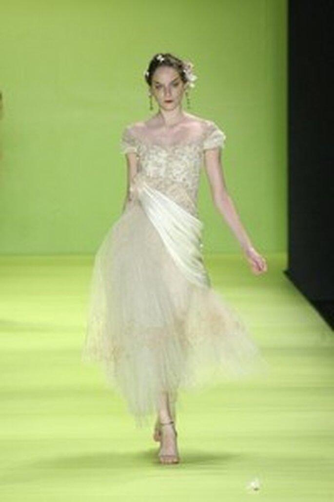 Lino Villaventura - Vestido, decote princesa, saia com tules