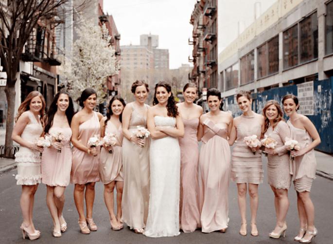 Como escoger los ramos de las damas de honor. Fotografía Jeny Lynne
