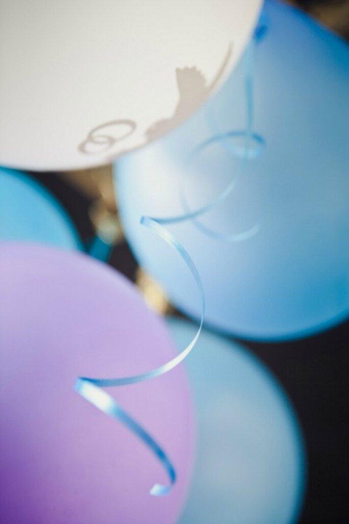 Auch Luftballons sind eine beliebte Alternative für die Hochzeitsdeko – Foto: 2Rings Trouwfoto