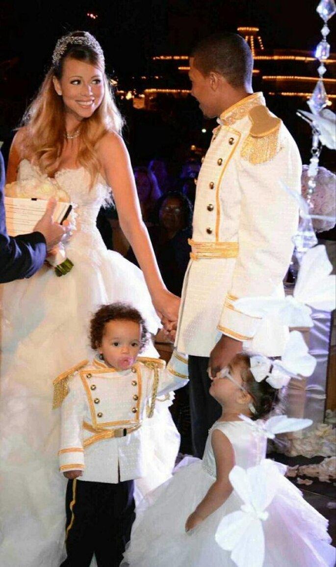 Mariah Carey con su esposo e hijos en una ceremonia mágica en Disney - Foto Mariah Carey Twitter