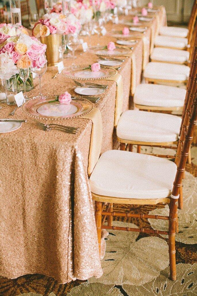 mesa de jantar para casamento em tom salmão
