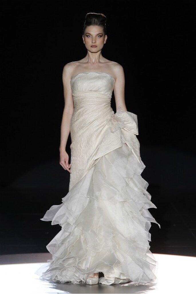 Vestido de novia Hannibal Laguna 2012- foto de Ugo Camera/IFema