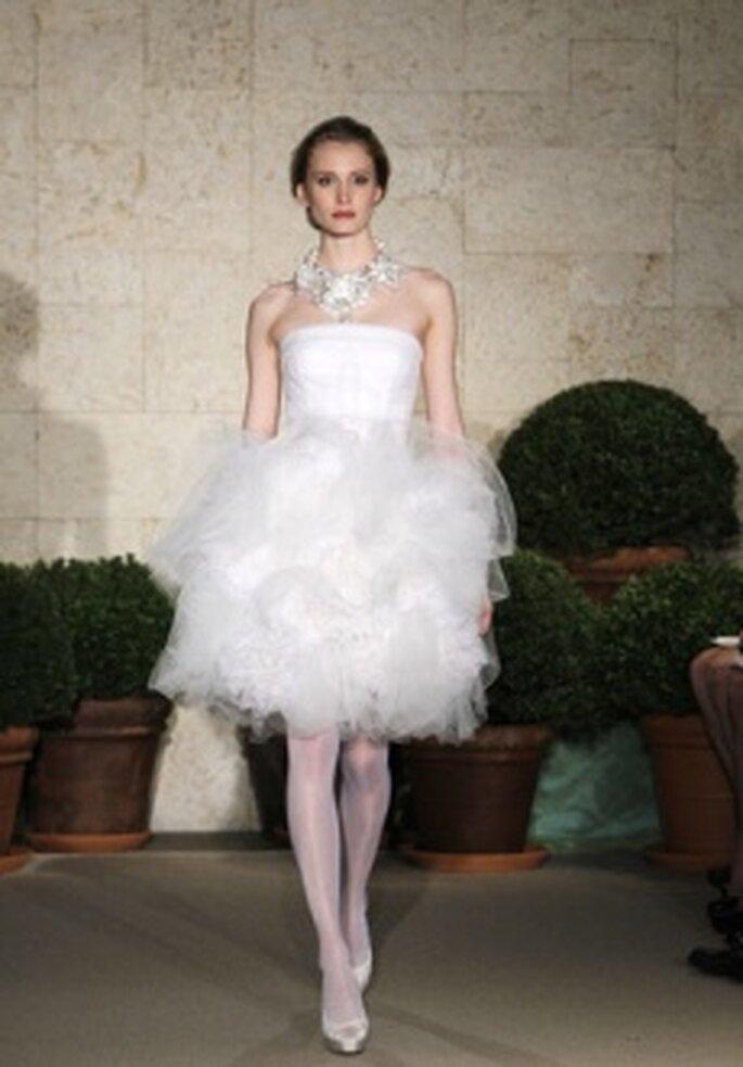 Óscar de la Renta 2011 - Vestido corto en organza, corte princesa
