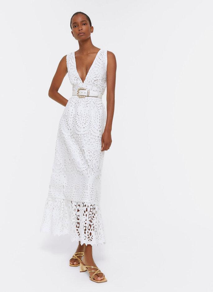 Vestido de novia barato con escote en V y efecto tejido sobrepuesto de Uterque